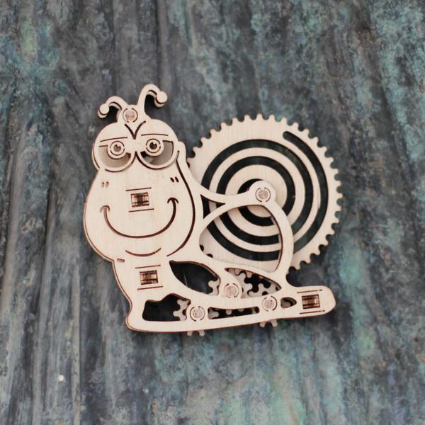 Wood-Trick-drewniane-modele-puzzle-3D-slimak_2
